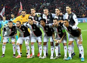 Juventuslu futbolculardan büyük fedakarlık! Servet bıraktılar