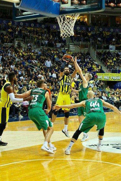 Fenerbahçe - Zalgiris maçında yaşananlar