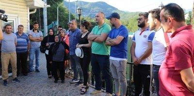 Karabükspor'da maaşlarını alamayan çalışanlar eylem yaptı