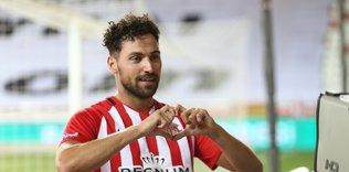 fenerbahce taraftarindan sinan gumus tepkisi sirada melo mu var 1593103946964 - Son dakika: Hasan Ali Kaldırım'ın yeni takımı Başakşehir!