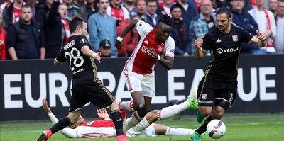 Ajax defeat Lyon 4-1 in Europa League semis