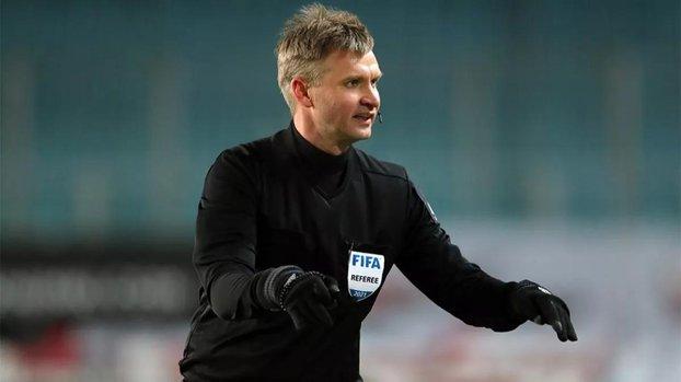 Son dakika spor haberleri: UEFA Rus hakem Sergey Lapochkin'e şike suçlaması nedeniyle 10 yıl men cezası verdi