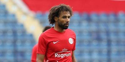 Antalyaspor'da Sangare formasına kavuştu