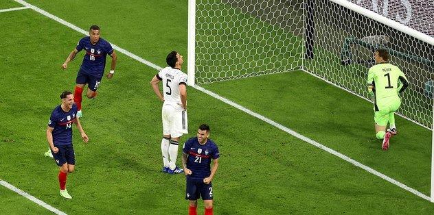 Son dakika spor haberi: Fransa - Almanya maçında Hummels golü kendi kalesine attı! İşte o pozisyo...