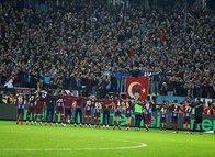 Trabzonspor Fenerbahçe karşısında farkı kaçırdı sosyal medya yıkıldı!