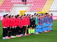 Ümraniyespor - 1461 Trabzon maçından kareler