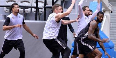 Beşiktaş, Partizan'a konuk oluyor