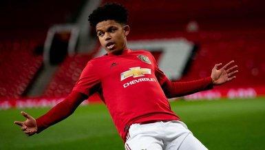 Manchester United Shola Shoretire ile profesyonel sözleşme imzaladı