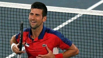 Novak Djokovic yarı finalde!