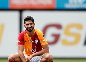 Emre Akbaba Galatasaray'da 20 numaralı formayı giyecek