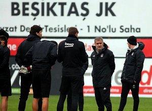 Beşiktaş'ta forvete 3 aday!