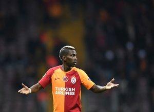Galatasaray'da Henry Onyekuru uyarıldı!