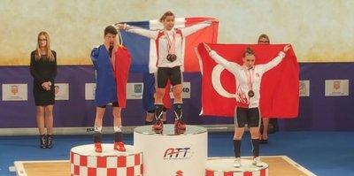Şaziye Erdoğan, halterde Avrupa üçüncüsü oldu