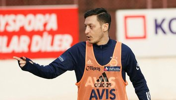 Mesut Özil'den o isme özel tebrik: Koçum benim!