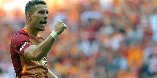 Podolski'den Fenerbahçe'ye Hello Kitty göndermesi
