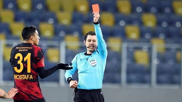 Fenerbahçe'den olay Mostafa Mohamed açıklaması! Dirsek atan oyuncuya... #