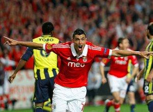 Fenerbahçe Başkanı Ali Koç, Benfica yüzünden elini kırmıştı!