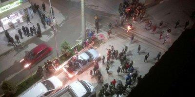 Hakkari'de Beşiktaş taraftarları şehir turu attı