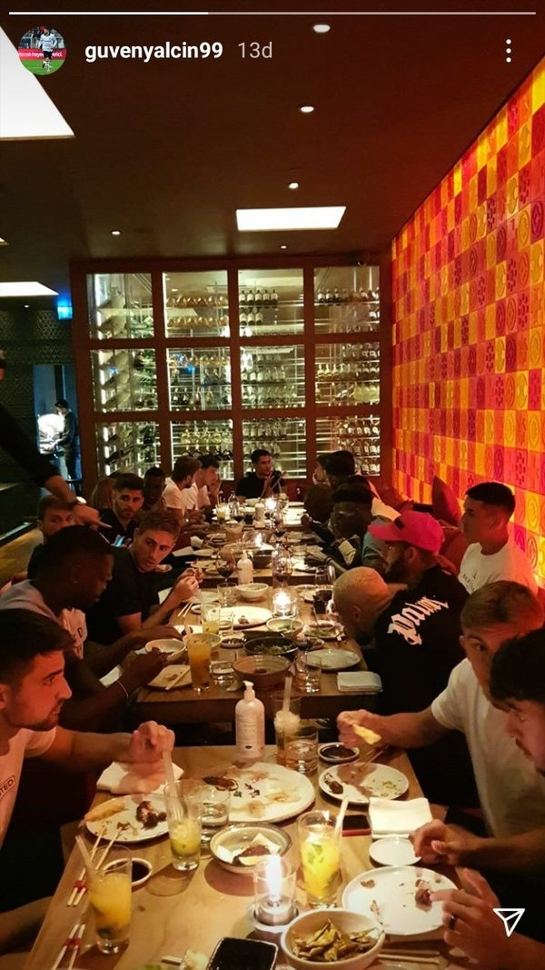 besiktasin yeni transferi welinton takimla birlikte yemekte 1597909642103 - Beşiktaş'ın yeni transferi Welinton takımla birlikte yemekte!