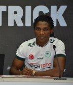 Konyaspor, Eze ile 3 yıllık sözleşme imzaladı
