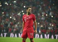 Hakan Çalhanoğlu transfere kapıyı kapattı!