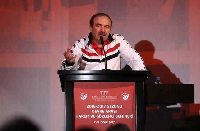 Ahmet Çakar: Türk hakemliğini MHK değil başka birileri yönetiyor