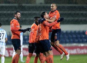 Başakşehir - Adana Demirspor maçından kareler