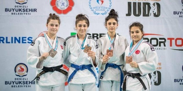 Kağıtsporlu Judocular, Türkiye üçüncüsü