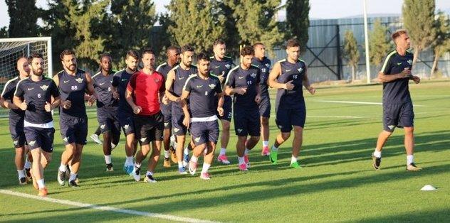 Akhisarspor, Trabzonspor'a ters geliyor
