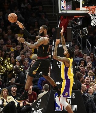 "LeBron James'ten 59. ""triple double"""