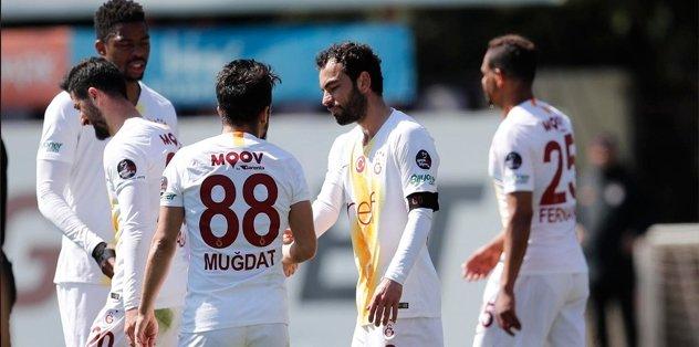 Galatasaray, hazırlık maçında Ümraniyespor'u 3-2 yendi