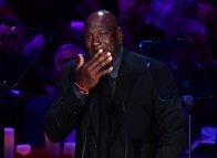 Kobe Bryant için düzenlenen anma törenine Michael Jordan damga vurdu. İşte o kareler...