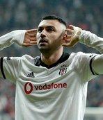 Burak Yılmaz Beşiktaş'ta enleri yaşıyor!