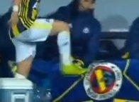 Fenerbahçeli yıldız çılgına döndü! Tekmeyi bastı...