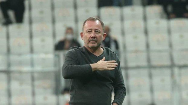 Beşiktaş - Sporting Lizbon maçı sonrası Sergen Yalçın'a taraftardan destek!