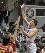 Beşiktaş G.Saray'ı devirip derbiyi kazandı!