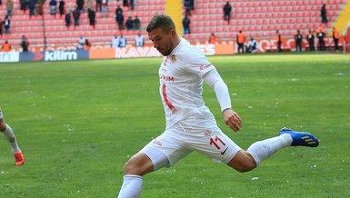 Son dakika spor haberleri: Antalyaspor'da 4 ayrılık resmen açıklandı!