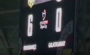 G.Saraylı taraftarları kızdıran görüntü! 6-0...