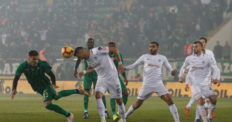 Akhisarspor - Konyaspor maçından kareler