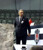 Ahmet Nur Çebi ezici farkla başkan seçildi