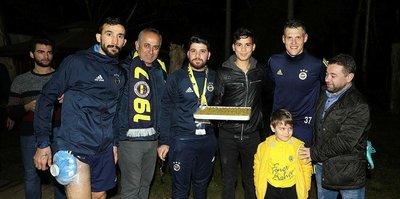 Fenerbahçeli futbolcuların baklava keyfi