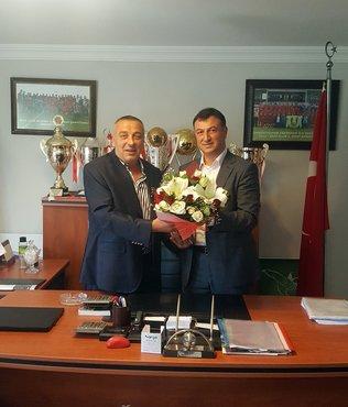Ümraniyespor'da yeni başkan Tarık Aksar oldu
