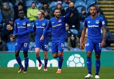 Cenk Tosun Everton'daki ilk golüne böyle sevindi!