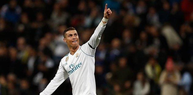 Ronaldo yine ilke imza attı