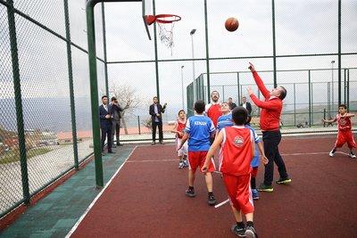 Bakan Osman Aşkın Bak: Gençlerimiz, sporun gücünün terörü yendiği bir ortamda yaşıyor
