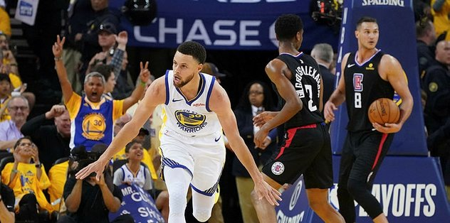 Stephen Curry play-off'lara rekorla başladı