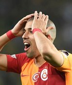 Feghouli'nin hocasından şok sözler! O futbolcu kim?