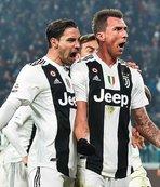 Juventus Inter'i tek golle geçti