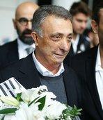 Ahmet Nur Çebi'nin yüzü gülüyor
