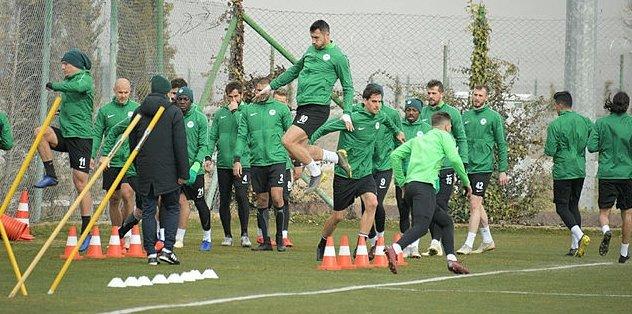 Konyaspor'da Fenerbahçe maçı hazırlıkları sürüyor